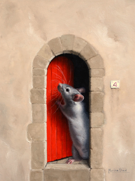 Little mouse at a red door